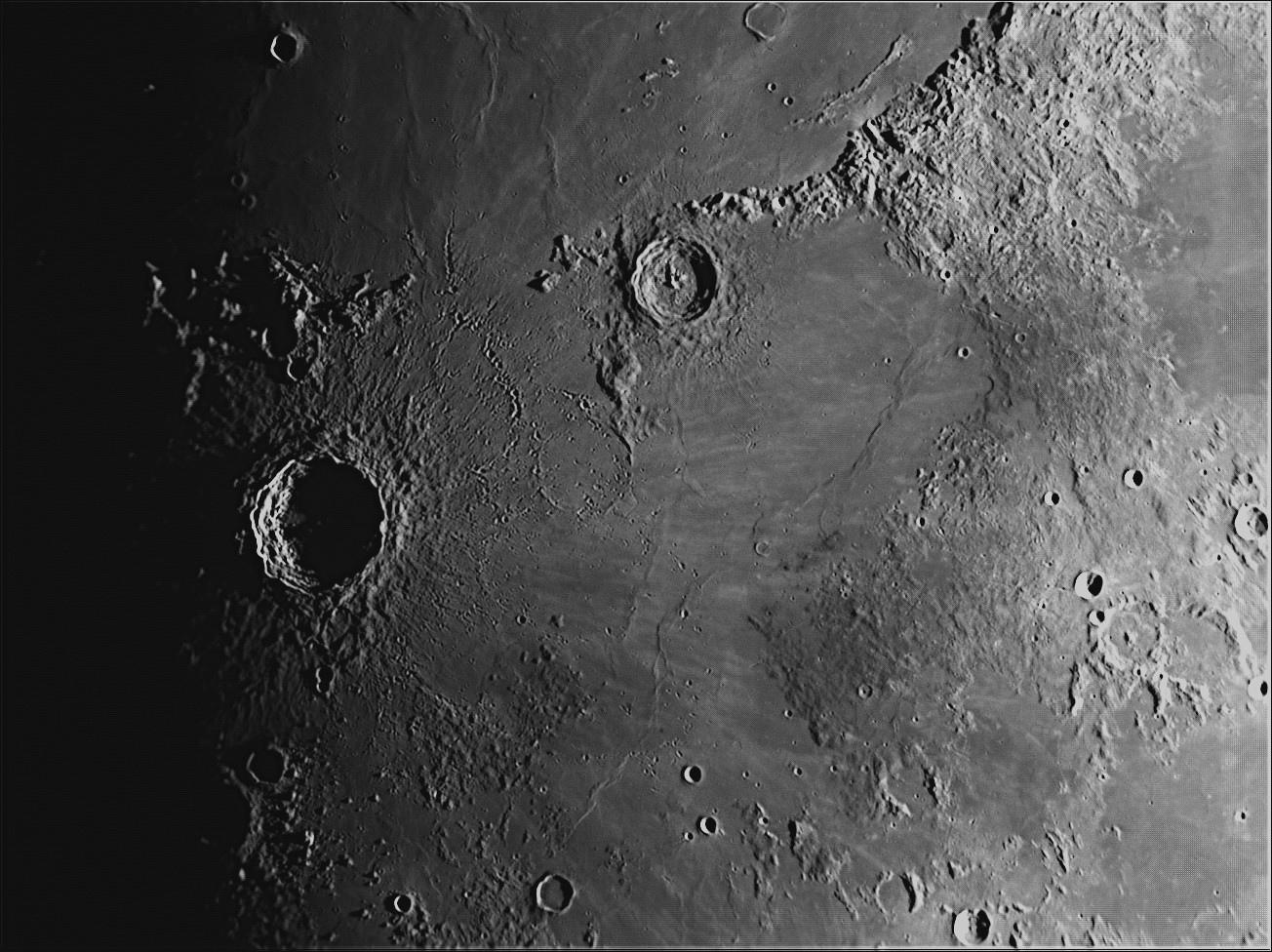Moon_211047__100r_T48_320_reg.jpg.ad7a1aaa83cd697e1a6069ebb73bbeaf.jpg