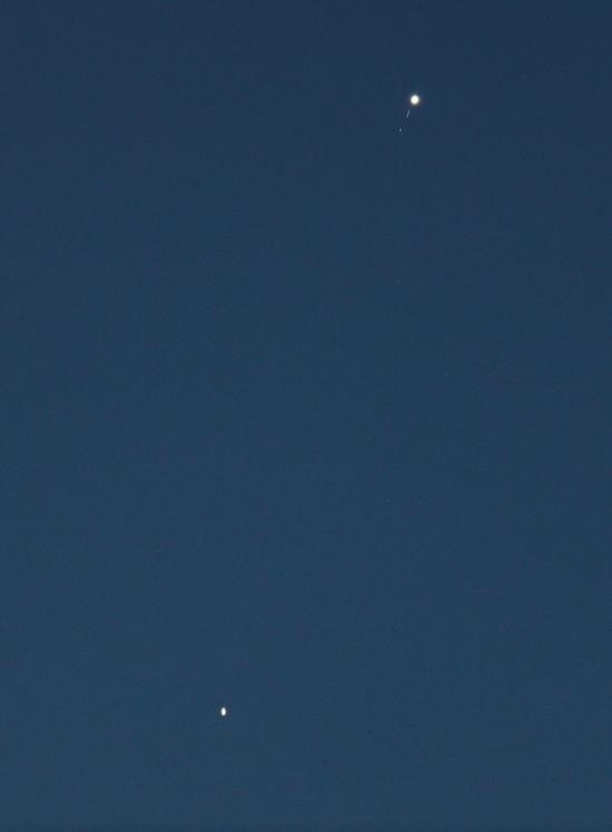 2R Jupiter-Satrune + 5satellites.png