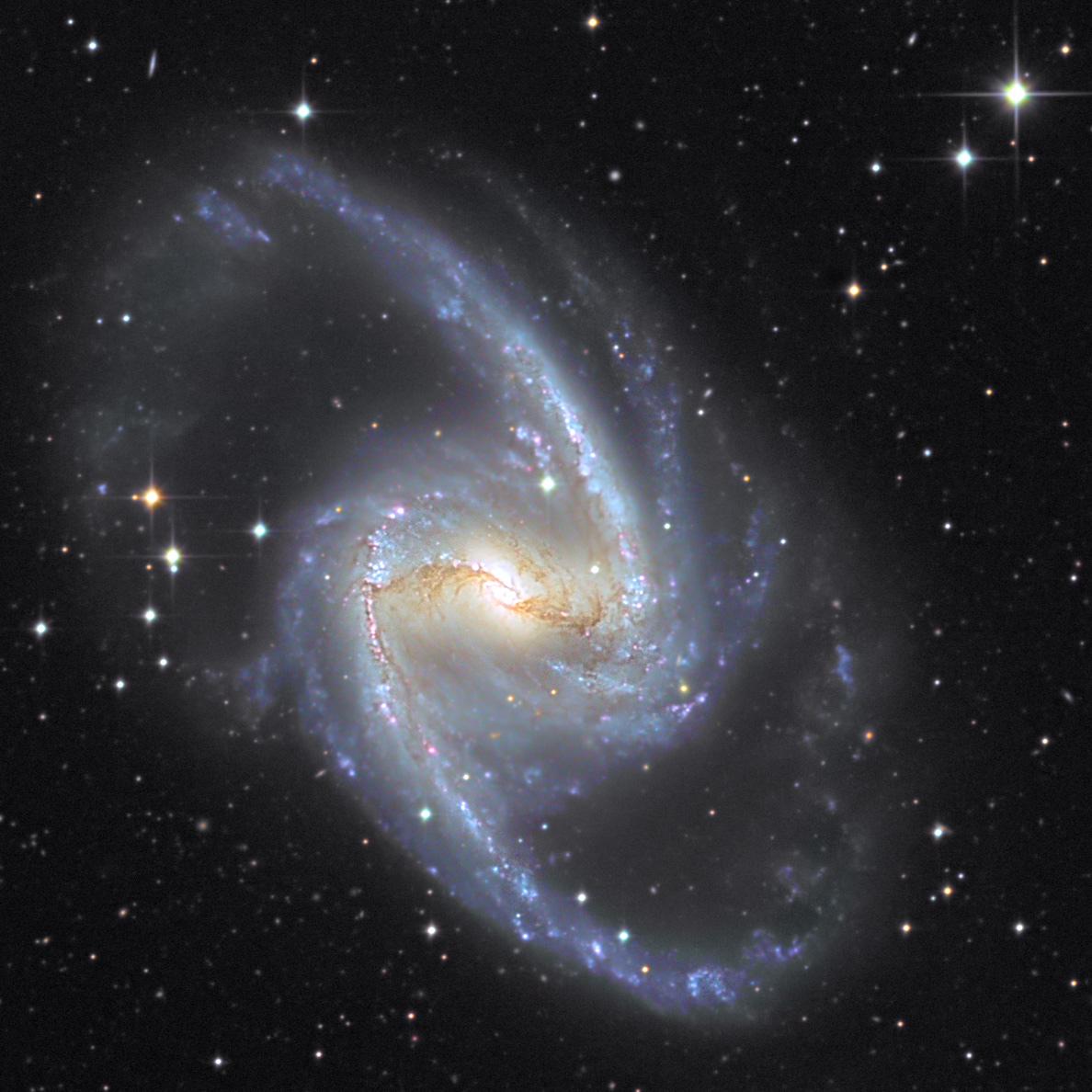 6005e746df74f_NGC1365_C_AB_TACRGB_TG_crop.jpg.3d909d381d8eb5fa972873f8a802947e.jpg