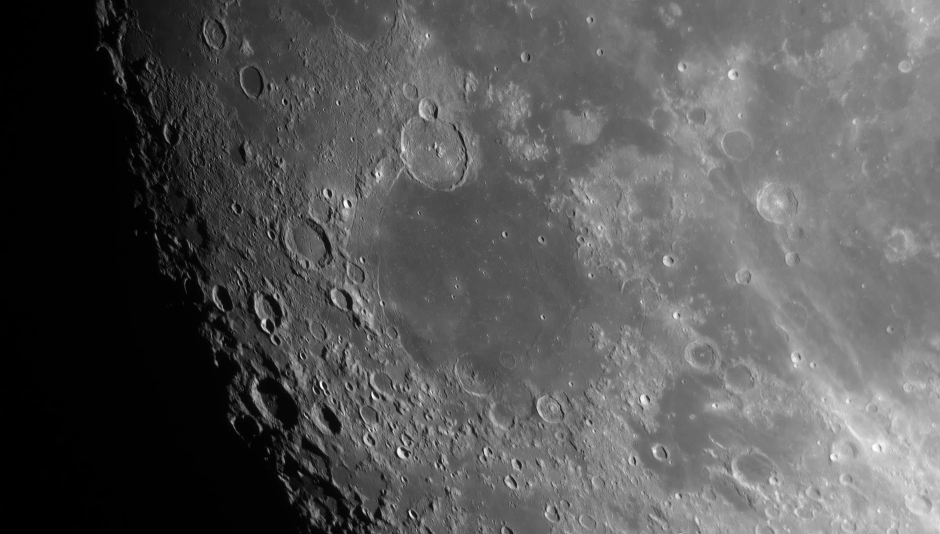 600fae8dec8bb_Moon_211726_250121_ZWOASI290MM_R-ccd_AS_P20_lapl5_ap662.jpg.946cd11a7db44bd6fd9b317d7c222fb8.jpg