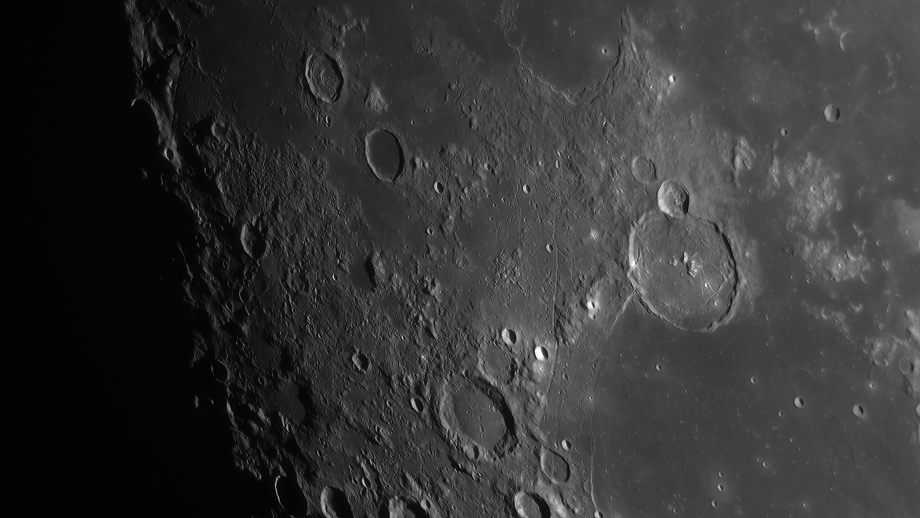 6010754ad4be0_Moon_221131_250121_ZWOASI290MM_R-ccd_AS_P30_lapl5_ap661-DeNoiseAI-low-light.jpg.ddc8ea8c24179d7bdc8db8e227fde3ea.jpg