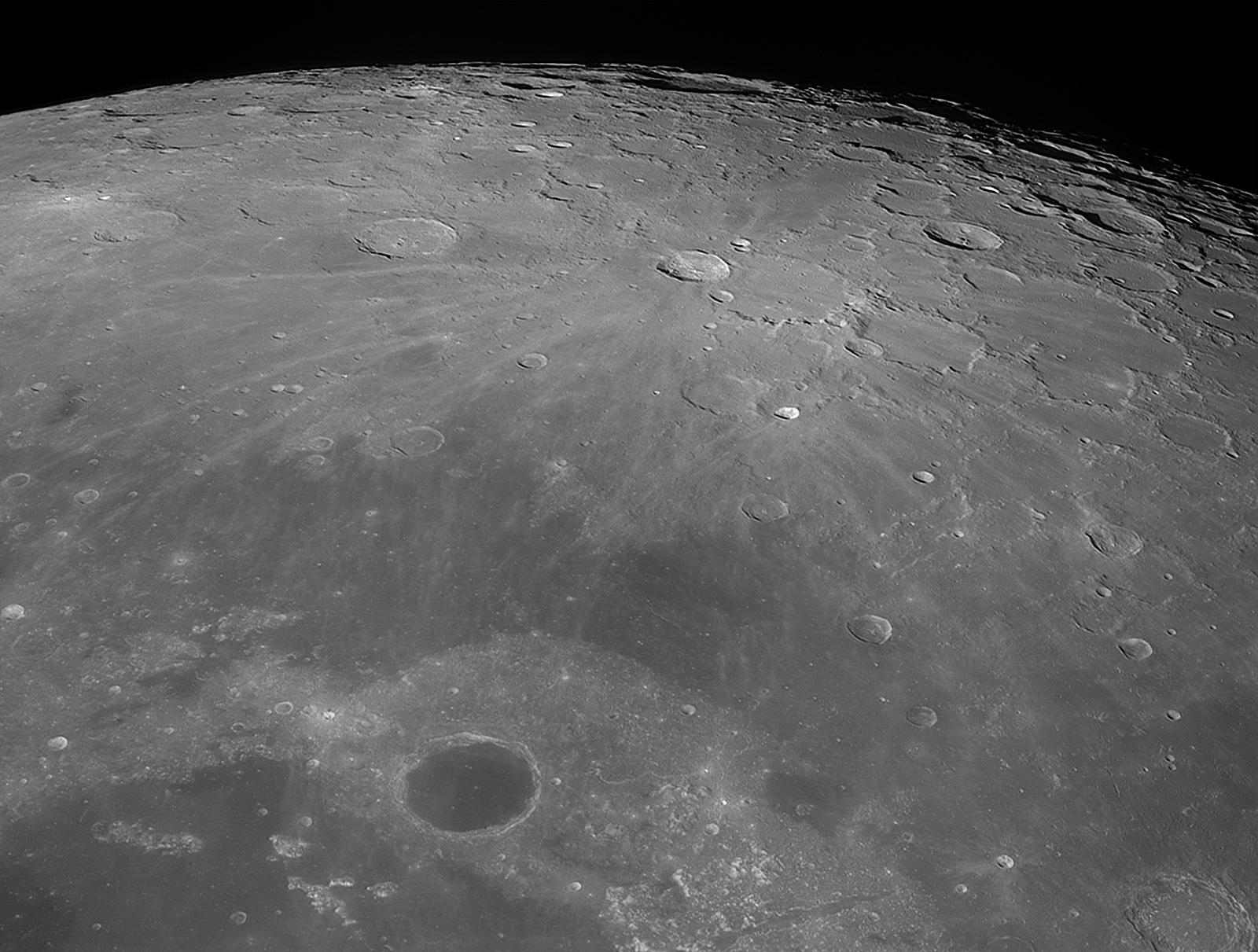 Lune-20200904_Peary-baAS.jpg.c558197b17929a2c0e8a3033f5b83de8.jpg