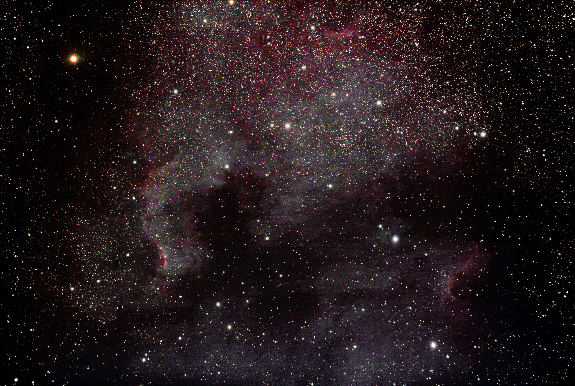 NGC_7000_fausses_couleurs.jpg