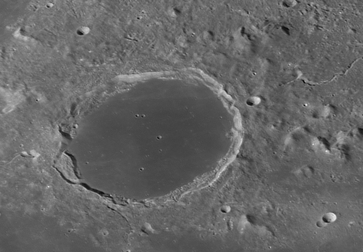 large.Moon_29_09_2018_02_53_18_R_.jpg.c52d111b658f41e474f748b88431eccf.jpg