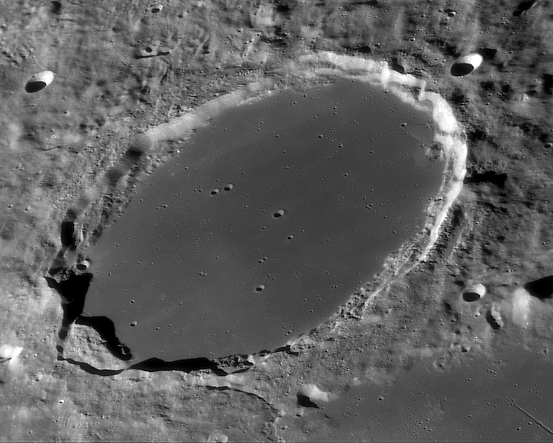 large.lune_2010-09-29_06-07-42-t5.jpg.37ab0e45b580023c2440af9b1e098cf7.jpg