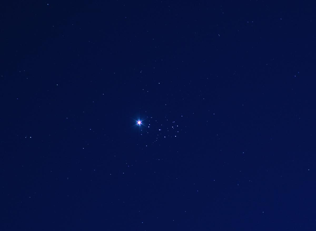 Vénus-Pléiades_4-4-2020-19h30-red.jpg