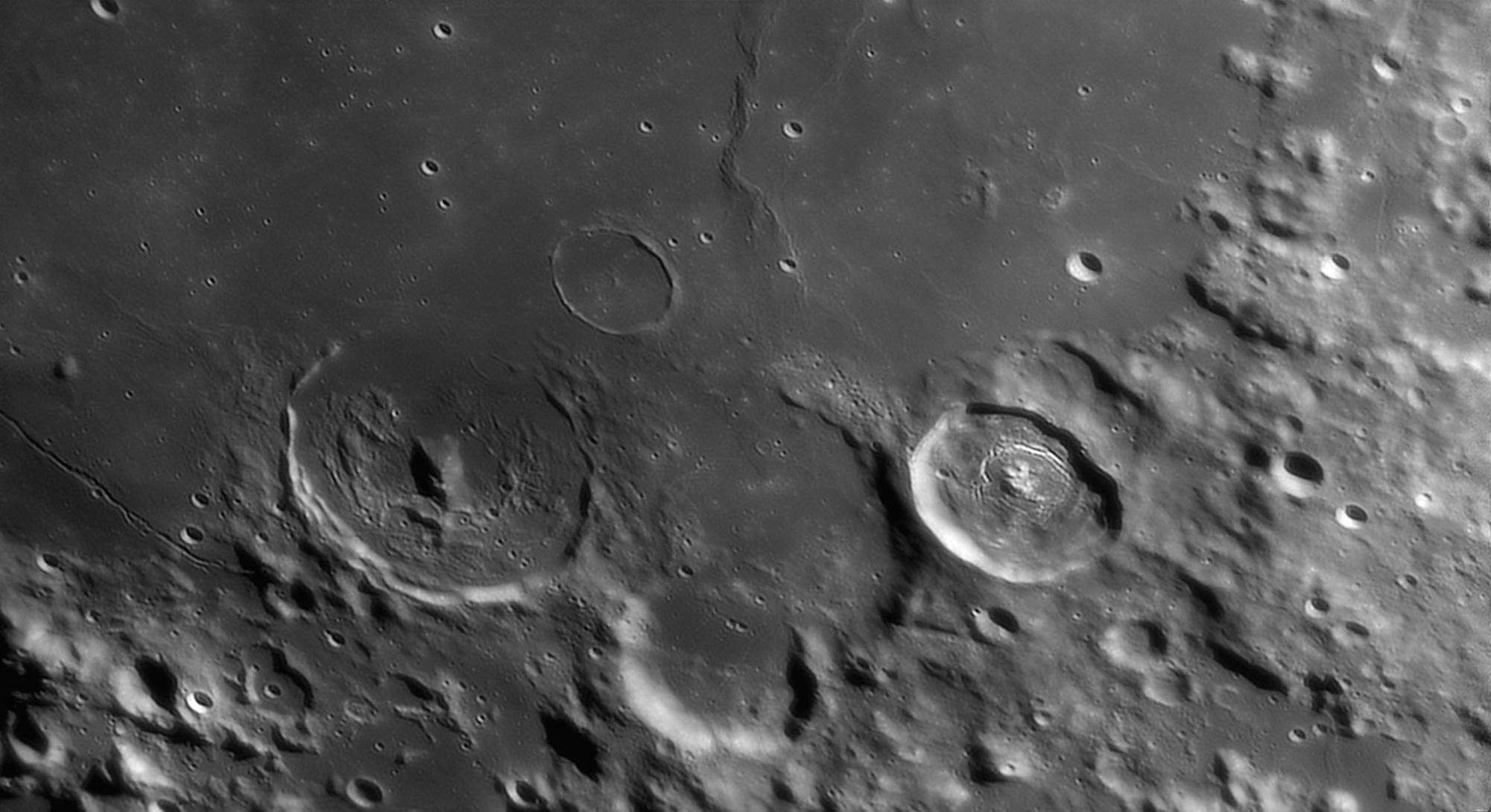 large.2021-02-23-2050_3-R-Moon.jpg.da2dba4c6033066fcbc7f43f3bd3c761.jpg