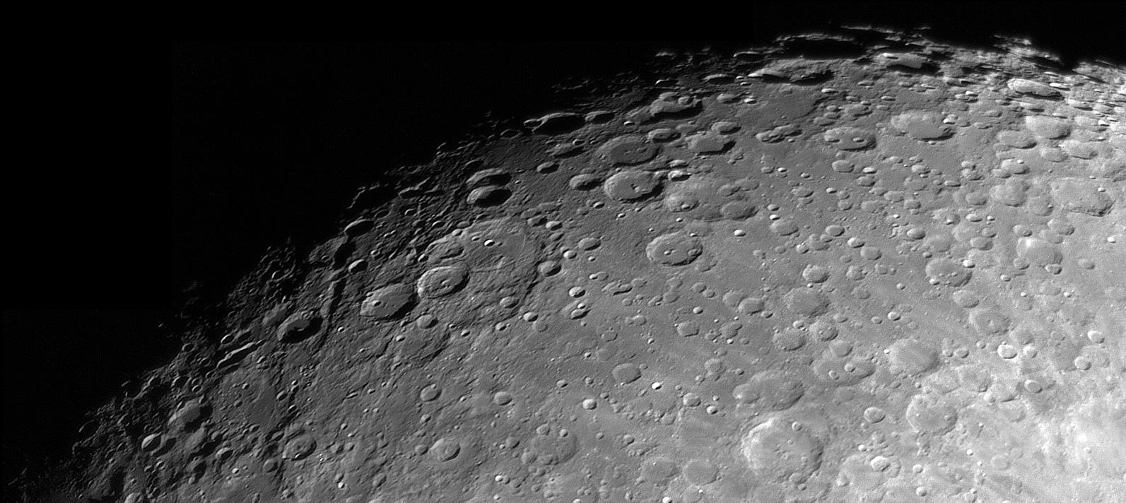 lune2.jpg.b280aea6ebfbf69ab9eab9de1207dfc2.jpg