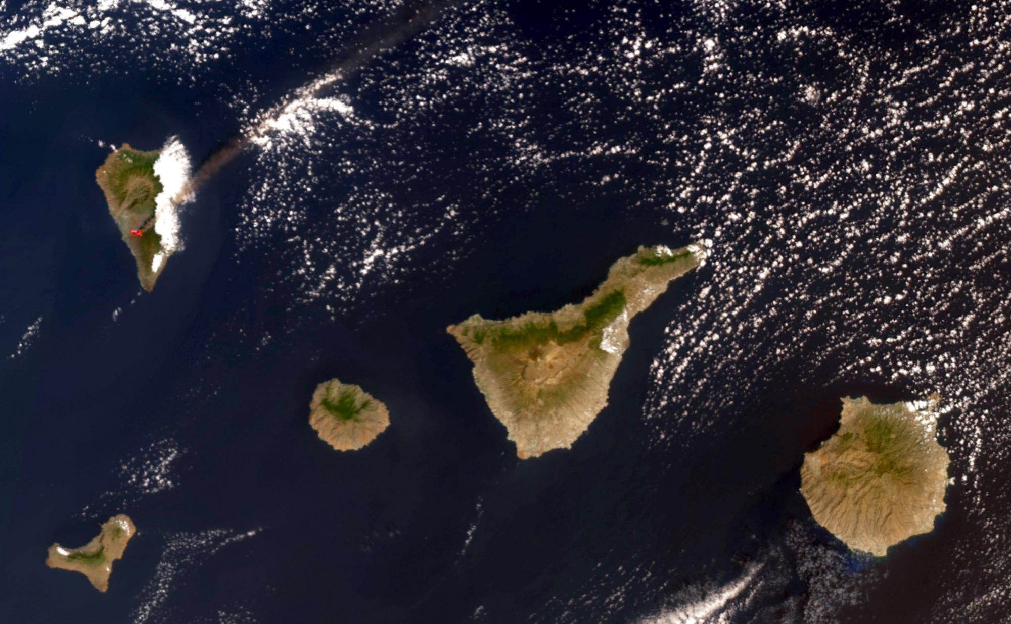 615257135a692_210926_IslasCanarias_LaPalmaeruption_Sentinel-3_OLCISLSTR_m.thumb.jpg.f0fa9c14764aa4e4f699c2bb7bdfb9b5.jpg
