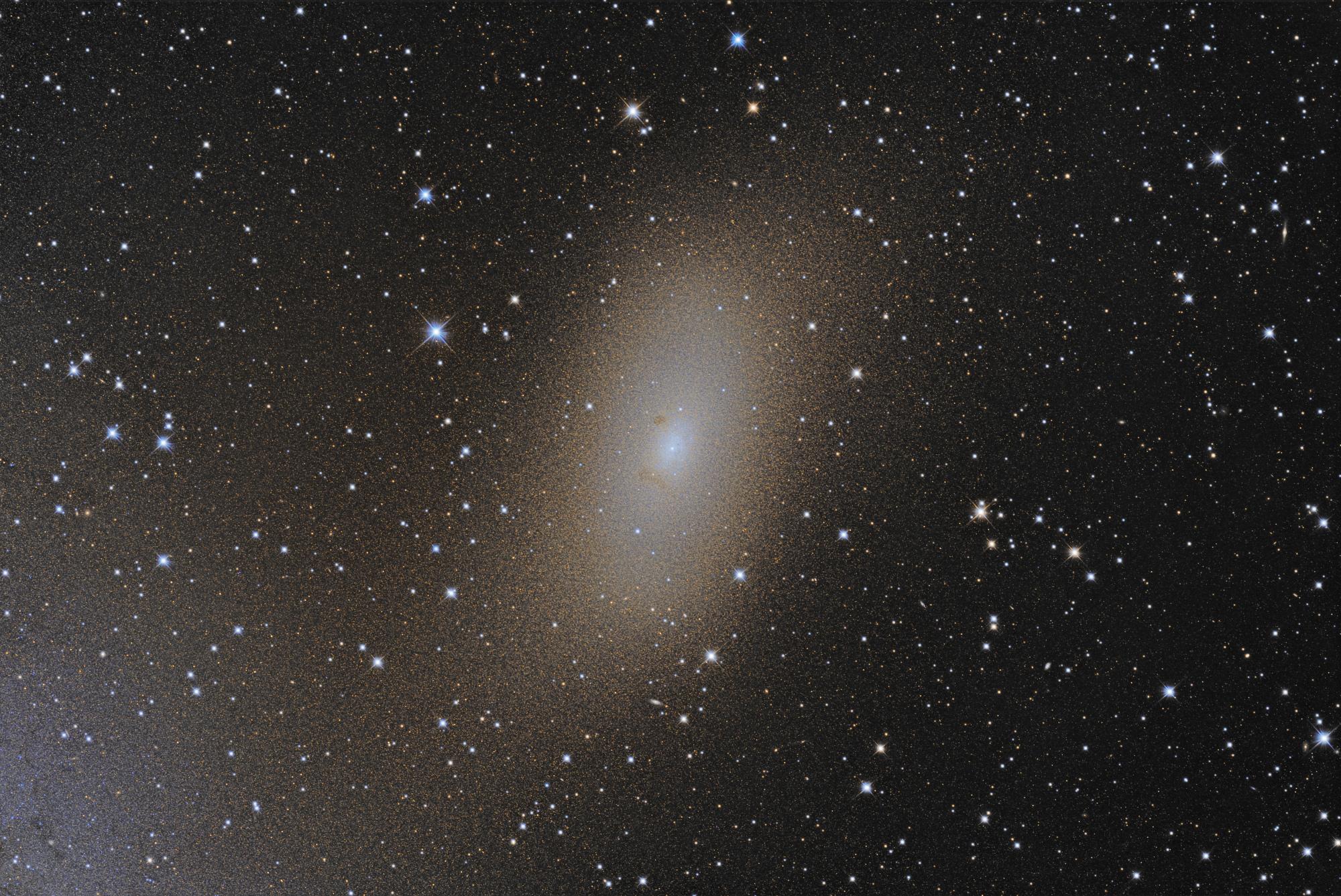 NGC_205_finale.thumb.jpg.84c9d15621b43ab250459ba2579904d3.jpg