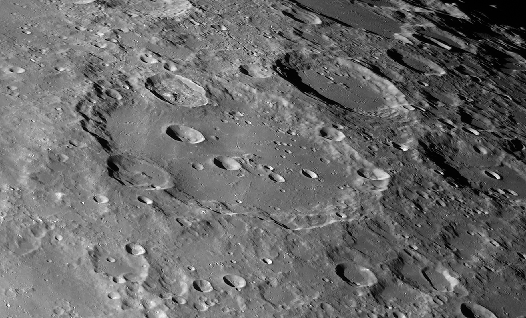 Lunar images taken with the c14 on dec 10 second part - Moon close up ...