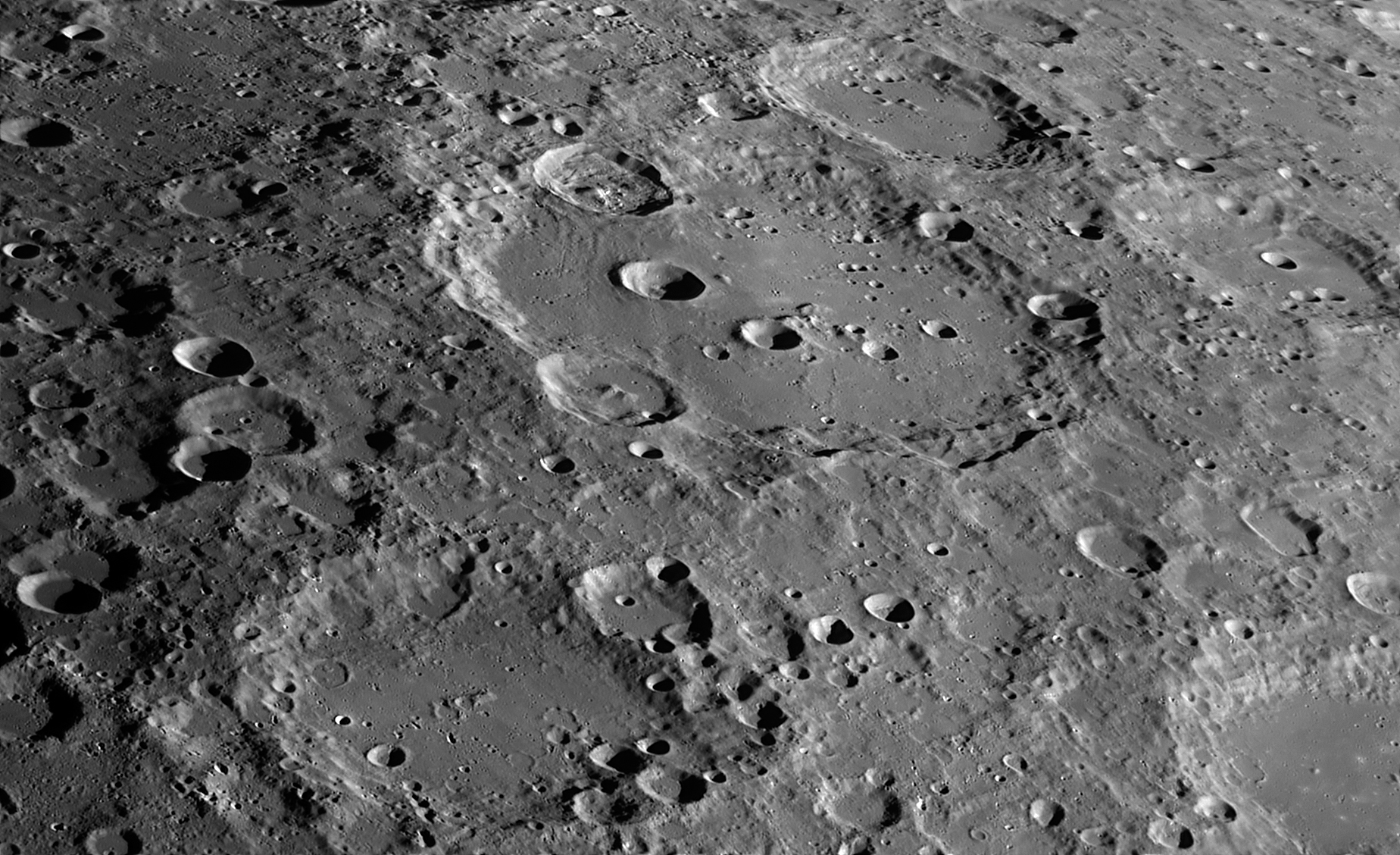 Clavius_C14-B1920-red-6Aug2015-3h40mnUT-